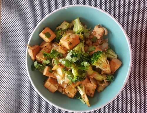 Tofu and broccoli stirfry